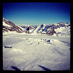 Best skiing with the best view  Glacier 3000 in les Diablerets, Switzerland