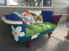Claw tub couch