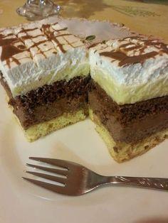 Csokis - vaníliakrémes, habos kocka, egy süti, amivel bárkit elbűvölhetsz! - Egyszerű Gyors Receptek Hungarian Recipes, Sweet Recipes, Tiramisu, Paleo, Goodies, Food And Drink, Yummy Food, Sweets, Snacks
