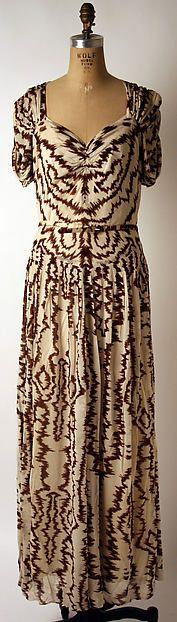Evening dress Designer: Nettie Rosenstein  Department Store: Bergdorf Goodman  Date: 1939 Culture: American Medium: rayon Accession Number: C.I.45.51.4a–c