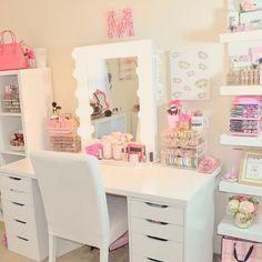 Cute and Organized Vanity @_lipstickandl0ve