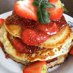 Olasz olívás palacsinta epres chia jammel Pancakes, Breakfast, Food, Morning Coffee, Essen, Pancake, Meals, Yemek, Eten