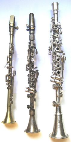 From left to right: - clarinet in high Bb simplified Albert  system (Kalison) - clarinet in Ab Boehm system (Henri Selmer, 1931) - clarinet in Eb Boehm system (Laubé -  Cundy-Bettoney, 1940)