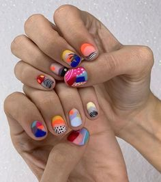 If you do not know how to do manicures, we leave some beautiful ideas and ad hoc super trend spring nails you& love! Funky Nails, Cute Nails, Pretty Nails, Funky Nail Art, Minimalist Nails, Hair And Nails, My Nails, Nail Art Designs, Crazy Nail Designs