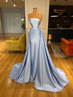 Pageant Dresses For Women, Gala Dresses, Pageant Gowns, Couture Dresses, Wedding Dresses, Pretty Dresses, Sexy Dresses, Fantasy Dress, Embellished Dress