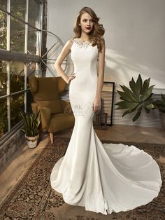 Beautiful by Enzoani BT18-2 Spring 2018