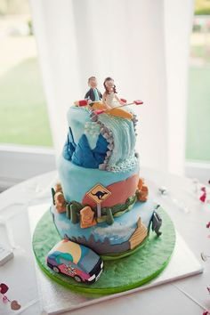 15 unbelievable wedding cake creations from our real weddings! © Emma Case Photography