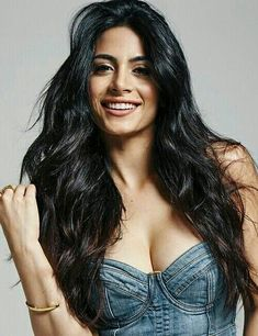 Beautiful Canadian actress: Emeraude Toubia, of Lebanese n Mexican parentage. Love the denim cropped blouse with low neckline w/ denim jeans, loose, long hair. Beautiful Girl Indian, Beautiful Girl Image, Most Beautiful Indian Actress, Beautiful Long Hair, Beautiful Actresses, Most Beautiful Women, Hot Actresses, Beautiful Pictures, Beauty Full Girl