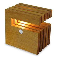 Quattro by Flames/L-wich ナチュラル 21000yen まるで光のサンドウィッチ!創造性をかきたてられる照明