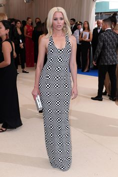 Elizabeth Banks in Michael Kors Collection and Repose jewelry - Met Gala 2017 celebrating Comme des Garçons's Rei Kawakubo