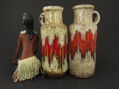 Vintage Keramik-Set (zwei Vasen) / Scheurich / rot und beige / Dekor Lora | West German Pottery | 60er von ShabbRockRepublic auf Etsy