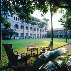 Singapore hotels offer the perfect pillow for every person. From historic properties to boutique hotels, discover the best places to stay. Singapore Architecture, Colonial Architecture, British Colonial Style, Historic Properties, Just Dream, Great Hotel, Hotels And Resorts, The Good Place, Bali