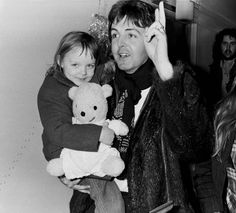 Paul McCartney of Wings with his daughter Stella McCartney arriving in Copenhagen on March 20th, 1976 in Denmark.