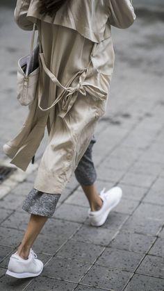 008bc8c84e3 Minimal Classic, Minimal Chic, Grey Trench Coat, Fashion Moda, Look Fashion,