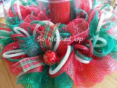 Deco mesh Christmas table centerpiece with ribbons by SoMeshedUp Christmas Table Centerpieces, Candle Centerpieces, Centerpiece Decorations, Floral Centerpieces, Deco Mesh Crafts, Wreath Crafts, Deco Mesh Wreaths, Ribbon Wreaths, Mesh Ribbon