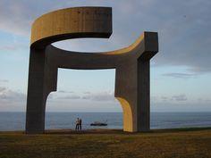 Eduardo Chillida, sculpture à l'horizon by Photo Llara