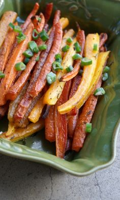 My favorite roasted carrots--super simple, delicious and healthy. Carrot Recipes, Vegetable Recipes, Paleo Recipes, Whole Food Recipes, Cooking Recipes, Cooking Time, Delicious Recipes, Healthy Snacks, Healthy Eating