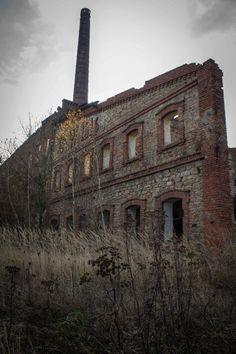 Abandoned factory. ~ETS #factory #abandinedplaces #architecture