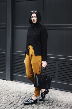 Outfit, Paperbag Pants, Yellow, black, schwarzersamt, Gina Tricot, H&M Studio Collection, Zara, Eleven