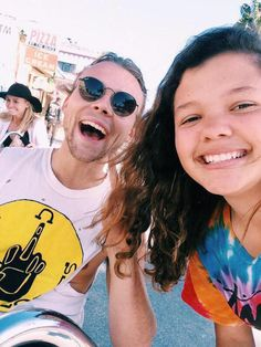 | 5SOS ASHTON IRWIN and BRYANA HOLLY SPOTTED ON VENICE BEACH ! | http://www.boybands.co.uk