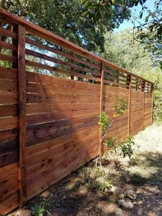 77 DIY Backyard Privacy Fence Design Ideas On A Budget 11 - onlyhomely Lattice Privacy Fence, Privacy Fence Designs, Backyard Privacy, Privacy Fences, Bamboo Fence, Cedar Fence, Backyard Fences, Garden Fencing, Fence Panels