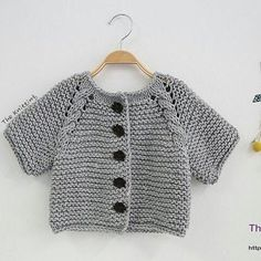 Knitted Baby Vest, Cardigan, Sweater Models – 2 – monica calvo zapata – Join in the world of pin Knit Headband Pattern, Knit Vest Pattern, Crochet Baby Cardigan, Knit Crochet, Knitted Baby, Unisex Looks, Quick Knits, Baby Kind, Baby Sweaters