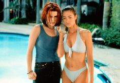 Pin for Later: The Ultimate Bikini Movie Gallery Denise Richards, Wild Things Denise Richards's insane bikini bod is just one of the notorious memorable things about cult classic Wild Things.