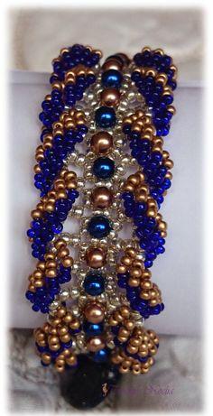 Pulsera Drama de rocallas y perlas junto con anillo Malina.,
