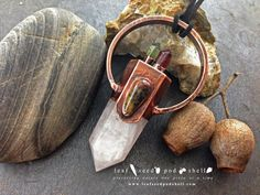 Pale rose quartz point with an agate companion and a green and red quartz crystal crown.  All of these large statement crystal pieces were so much fun to make.  Love them all!!!!  In store now.  Link in bio. #leafseedpodshell #leafseedpodshelljewelry #birdhouse #leaves #leaf #acorn #acorns #seeds #pods #shells #copper #electroform #electroforming #electroformed #electroplated #electroplating #nature #natural #rustic #plating #jewelry #jewellery #pendant #pendants #handmade #handmadejewelry