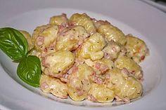 Gnocchi mit Käse-Knoblauch-Schinken-Soße