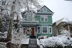 Snowy Sunday, First Hill, Seattle WA by JoeInSouthernCA, via Flickr