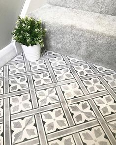 hallway flooring Flooring idea for downstairs toilet Hall Tiles, Tiled Hallway, Tiled Staircase, Hall Flooring, Kitchen Flooring, Ceramic Flooring, Flooring Ideas, Entryway Flooring, Modern Flooring