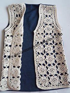 kot ve motiflerden oluşan yelek