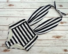 One Piece Bather Swimsuit High Waisted Vintage Style Pin-up Swimming Costume - Black and White Stripe Retro Bathing Suit Swimwear time costume One Piece Stripe Monochrome Swimsuit, Backless Bathing Suit Sailor Fashion, Bold Fashion, Retro Fashion, Vintage Fashion, Beach Fashion, Woman Fashion, Vintage Bikini, Vintage Swimsuits, Retro Swimwear