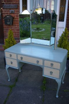 Pretty vintage dressing table hand painted in Annie Sloan 'Duck Egg' and 'Country Grey' with some light distressing to show the wood beneath. Upcycled Furniture, Vintage Furniture, Vintage Dressing Tables, French Dressing, French Country Bedrooms, Country Furniture, Vintage Country, Vanity, The Originals