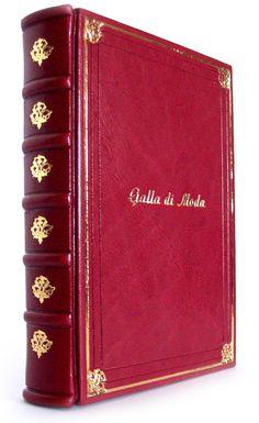 Arta Cărții: Trei jurnale de lux Wallet, Books, Libros, Book, Book Illustrations, Purses, Diy Wallet, Purse, Libri