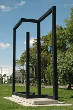 Universidad Nacional, Bogotá, Colombia Escultura en hierro 6 m alto x 6 fondo x 1.6 m ancho Home Decor, Sculpture, Art, Iron, Colombia, Scenery, Decoration Home, Room Decor, Home Interior Design