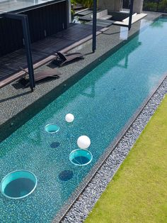 Queen Astrid Park by Aamer Architects Love the long wet deck and sunken lounge. Pinned onto Pool Design by Darin Bradbury. Outdoor Water Features, Pool Fountain, Glass Pool, Dream Pools, Garden Pool, Party Garden, Swimming Pool Designs, Sauna, Deco Design