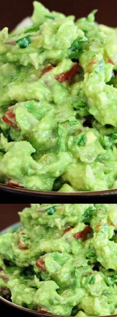 This recipe for The BEST Guacamole EVER from Favorite Family Recipes is truly the best! It's made with fresh ingredients, the perfect mix of spices, and a bit of Green Tabasco that adds just a hint of flavor! Lunch Recipes, Appetizer Recipes, Mexican Food Recipes, Cooking Recipes, Party Appetizers, Mexican Dishes, Summer Recipes, Salsa Guacamole, Guacamole Recipe