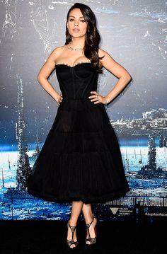 Mila Kunis reaparece em público depois de ter sido mãe