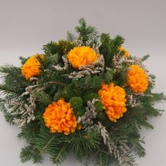 Christmas Flowers, Giant Paper Flowers, Arte Floral, Funeral, Flower Arrangements, Milan, Floral Wreath, Xmas, Wreaths