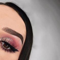 e y e s • @anastasiabeverlyhills #modernrenaissance  b r o w s • @anastasiabeverlyhills #dipbrow dark brown g l o w • @beccacosmetics moonstone l a s h e s • @beautylashespl holly #anastasiabeverlyhills #abhgirl #norvina #abh #makeup #mua #muapl #beccahighlighter #toofaced #abhbrows #wakeupandmakeup #makeupforbarbies #darklips #plgirl #girl #selfie #l4l #f4f #followme #lauramercier #undiscoveredmua #picoftheday #instapic