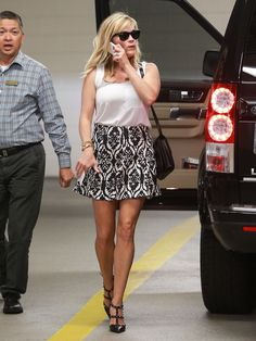 reese-witherspoon-arrives-at-a-medical-building-in-beverly-hills-9-3-14_4.jpg (1200×1597)