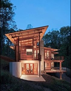 Greenland Road Residence # Modern Timber # maximises views and b,ends with surrounding forest