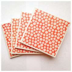 tile coasters/coasters/ceramic tile coaster/handmade/home decor/housewarming/door prize/barware/Orange and White Daisy Print -set of 4 by ThePrettyDecorStore on Etsy