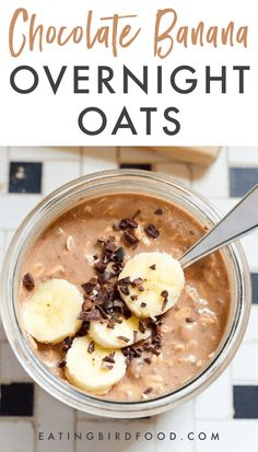 Oats bananaalmond milk chia seeds and chocolate protein powder come together to make a quick and easy healthy breakfast option that tastes like dessert. You do the prep work the night before so the oats are soft and ready to eat come morning. Chocolate Almond Milk, Chocolate Protein Powder, Healthy Chocolate, Chocolate Oats, Healthy Breakfast Options, Healthy Snacks, Breakfast Recipes, Protein Snacks, Dessert Healthy