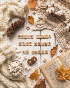image Autumn Flatlay, Month Flowers, Autumn Cozy, Autumn Witch, Autumn Fall, Autumn Scenes, Autumn Aesthetic, Christmas Mood, Xmas