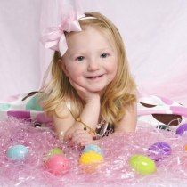 Easter portraits that are eggsactly what you're looking for Spring Pictures, Easter Pictures, Holiday Pictures, Spring Pics, Holiday Photography, Spring Photography, Jcpenney Portraits, Diy Photo, Photography Backdrops