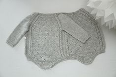 Ravelry: Tiriltunge Newborn Onesie, Nyfødtbody pattern by Siv Jane AksdalTiriltunge Nyfødt body Norwegian pattern by Shja on EtsyThis little onesie was the first thing we put on our daughter after she was born, I wanted to create a piece of clothin Knitting For Kids, Baby Knitting Patterns, Hand Knitting, Crochet Patterns, Baby Winter, Summer Baby, Baby Outfits, Crochet Baby, Knit Crochet