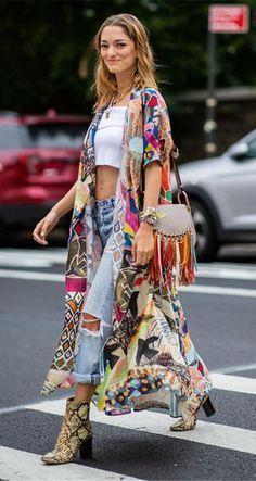 Look Hippie Chic, Estilo Hippie Chic, Boho Chic Style, Hippie Chic Fashion, Hippie Boho, Modern Hippie Style, Bohemian Look, Bohemian Fashion Styles, Style Fashion